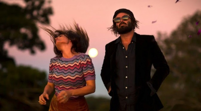 VIDEO : ANGUS & JULIA STONE – CHATEAU (Pop – Australia)